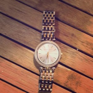 Michael Kors Darcy watch. Shiny silver/ gold watch